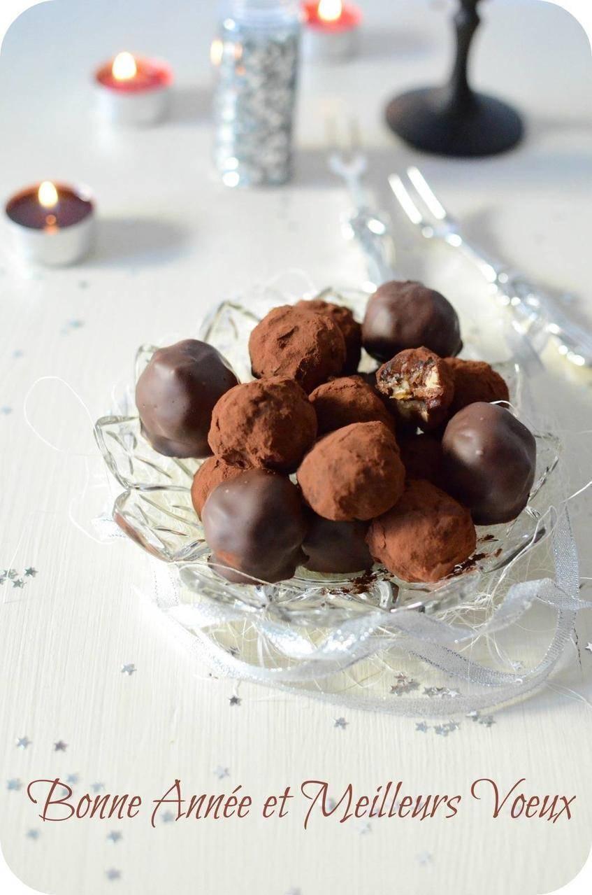 Truffes aux dattes, noix et chocolat