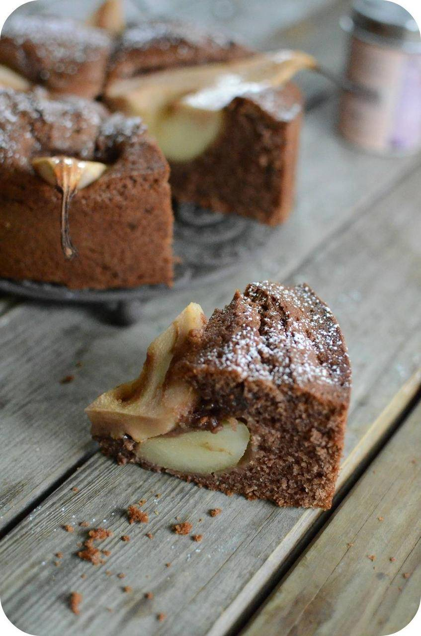 Gâteau à la Poire, au Chocolat et au Praliné