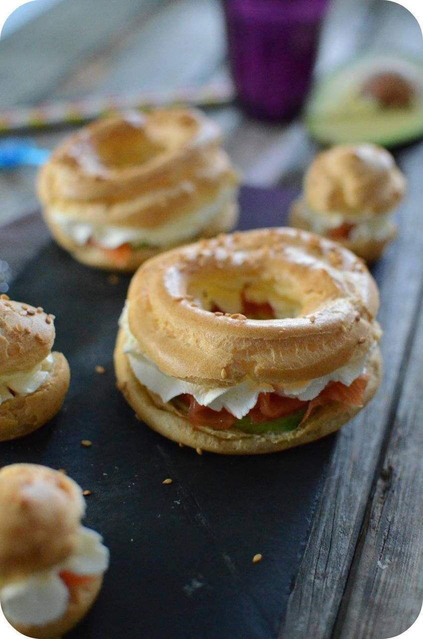 Choux au Fromage Fouetté, Avocat et Saumon Fumé